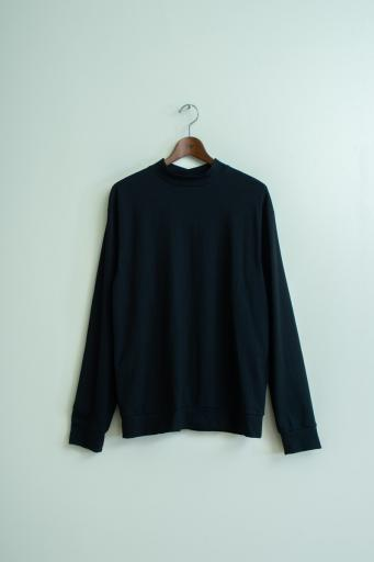 crepe mock-neck long-shirt/black