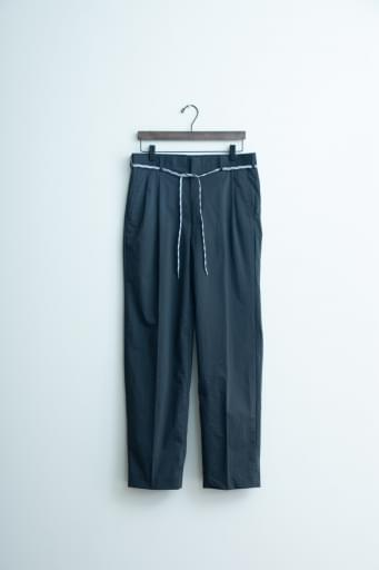 nylon chambray two-tuck tapered pants/black
